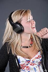 girlwearingheadphones
